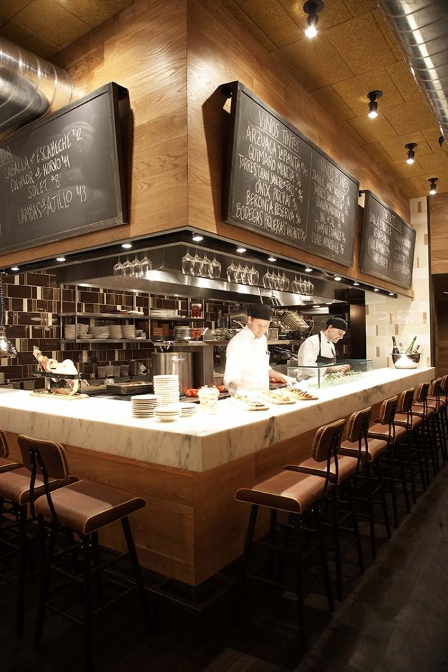 Meyer davis boqueria for Restaurant window design